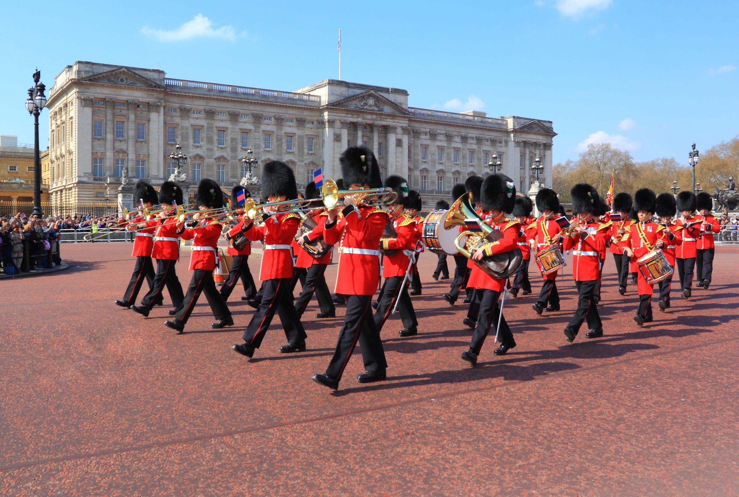 Buckingham Palace and the red British guards
