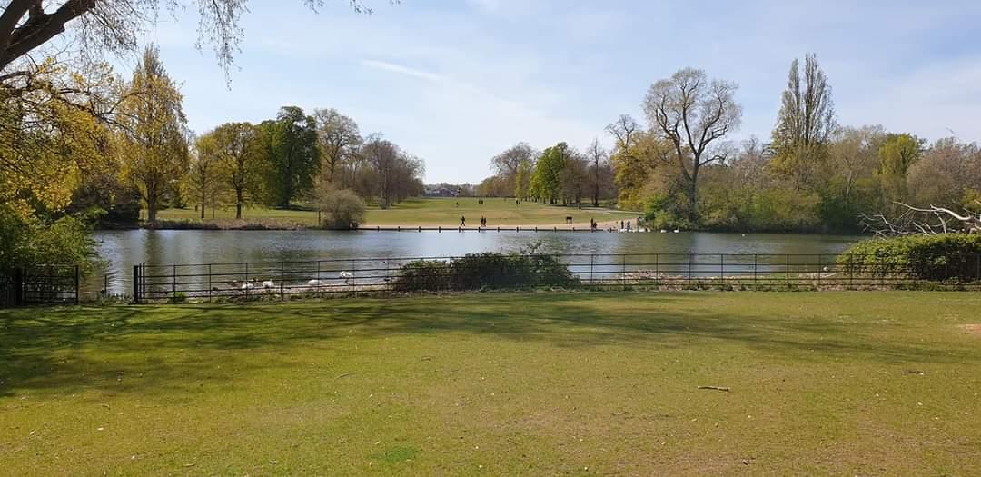 The Long Water lake, Kensington Gardens
